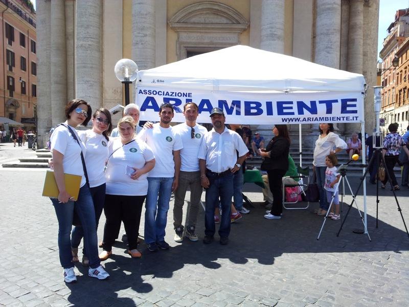 L'associazione ARIAMBIENTE a Piazza del Popoplo
